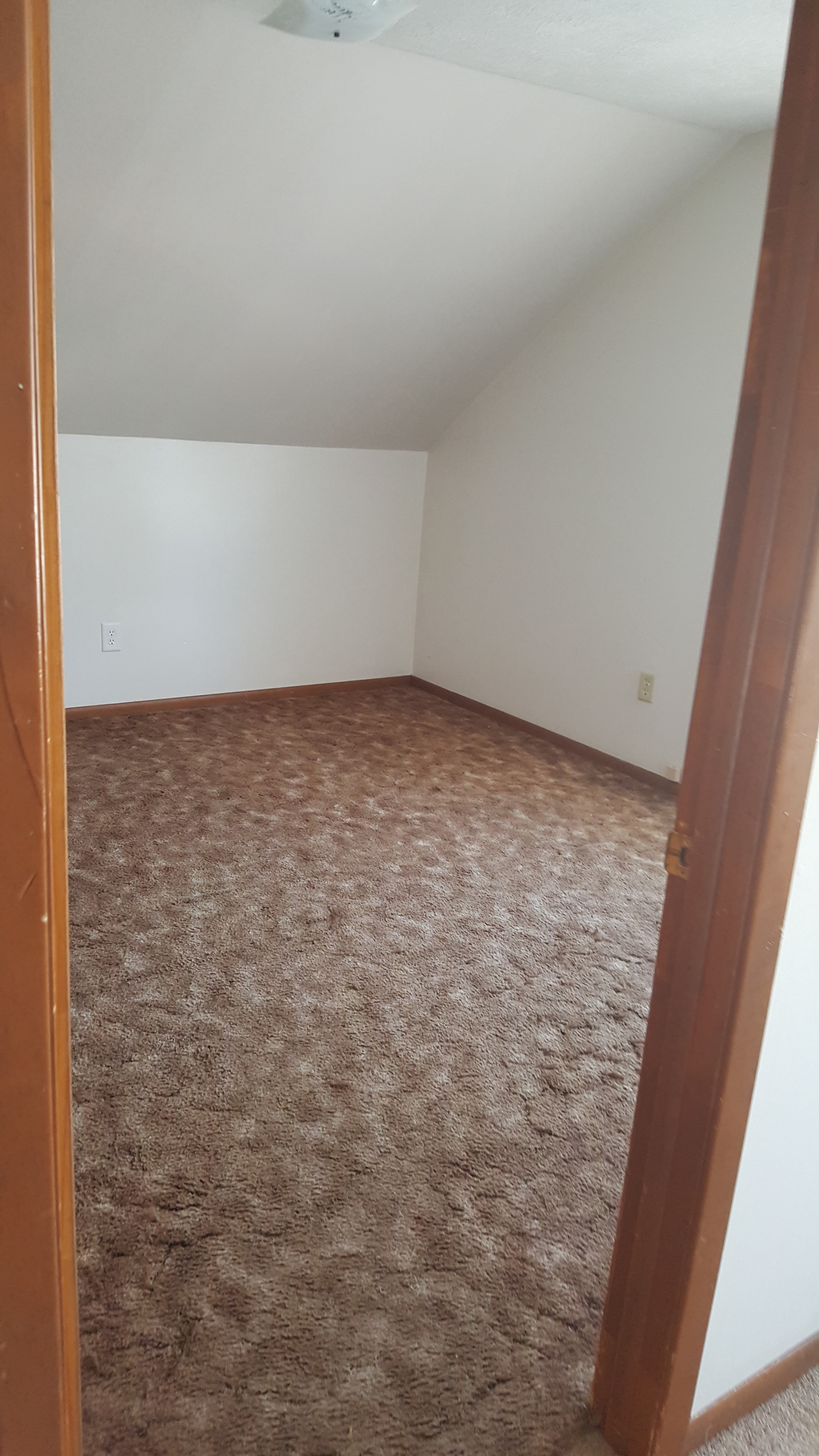 615 new hampshire street three bedroom for rent 695month - Bedroom For Rent