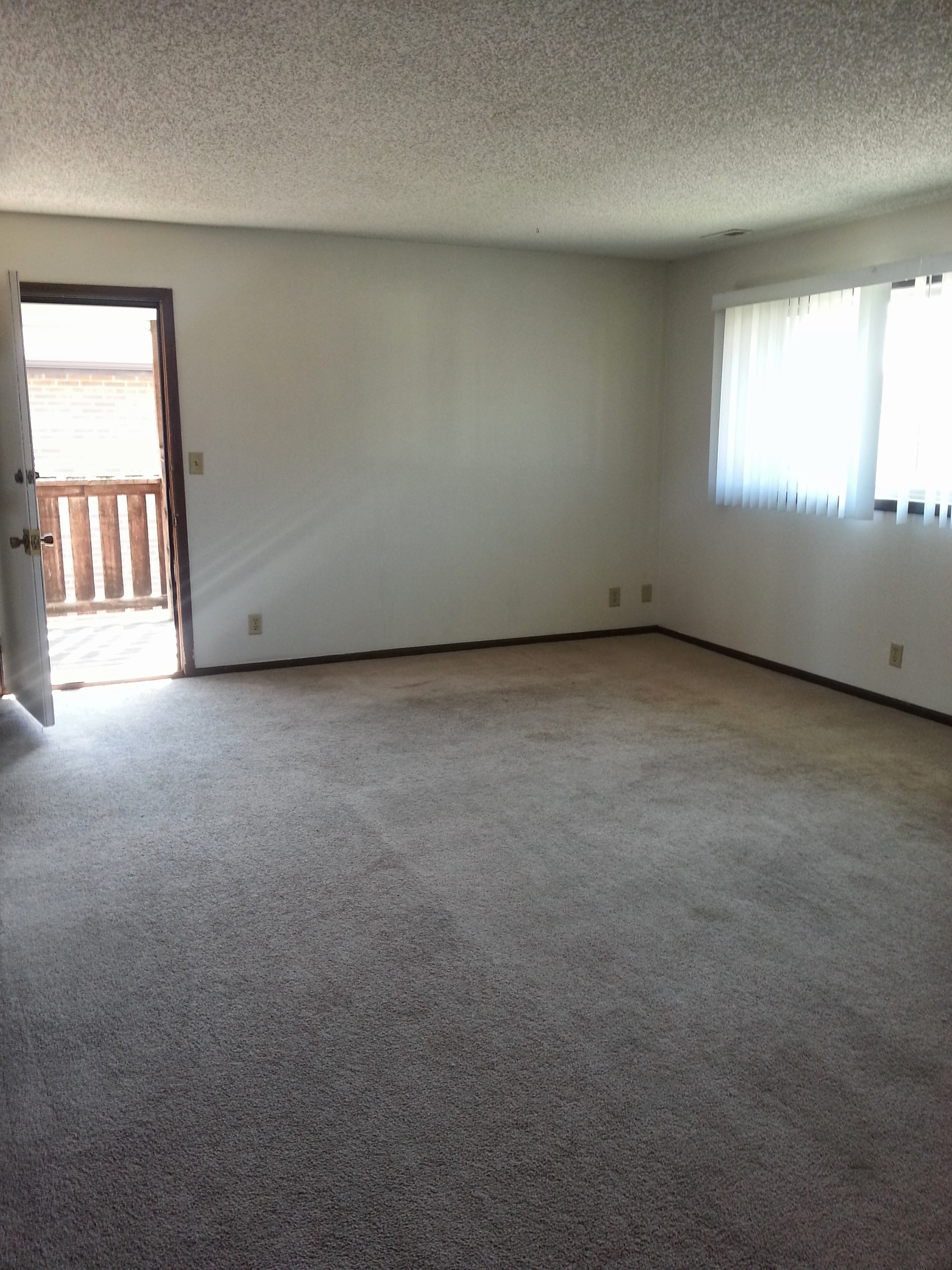 2 Bedroom For Rent In South Lincoln On Site Laundry